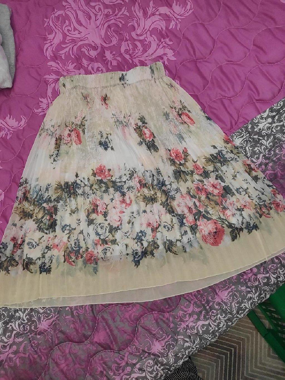 Prelepa suknja univerzalna do xl moze