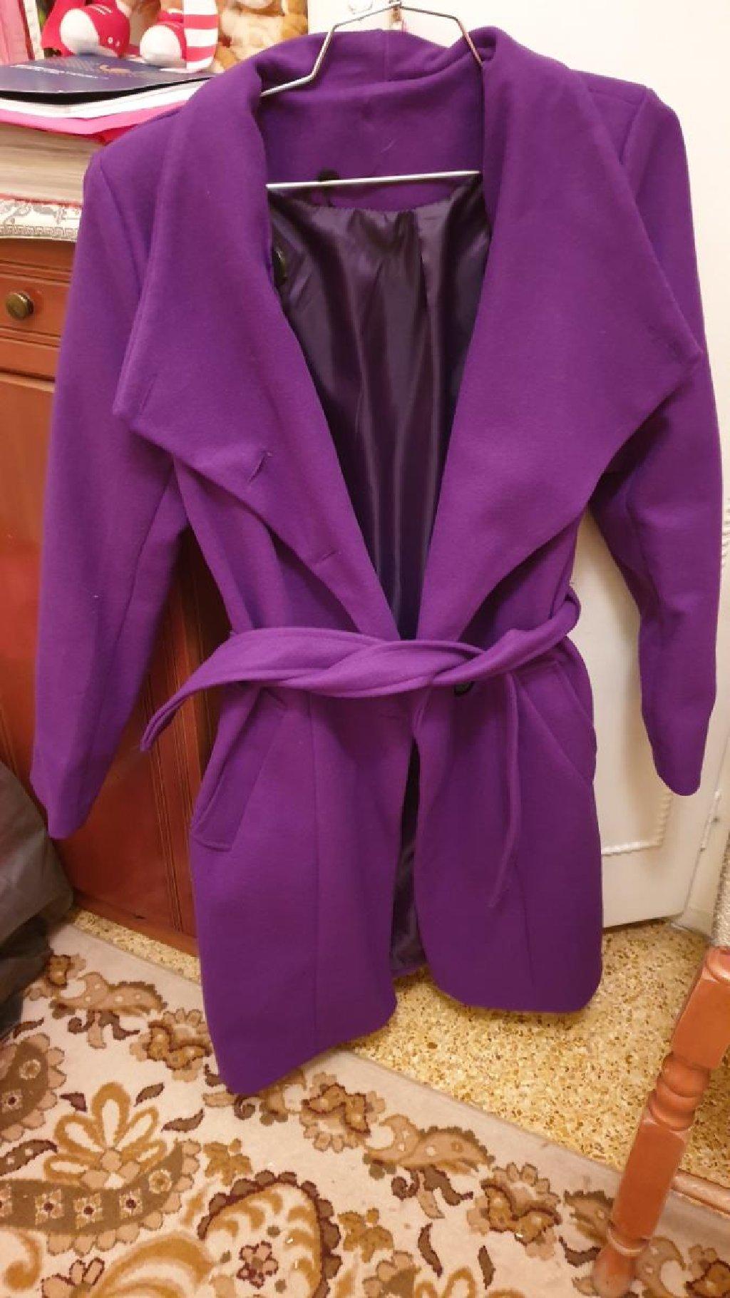 Παλτο ελαχιστα φορεμενο σε αριστη κατάσταση,medium,μωβ χρωμα