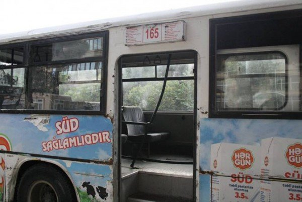 Bakı şəhərində Mehdabadda 165 nomreli marsrutun son dayanacaginda 2 sot kupcali