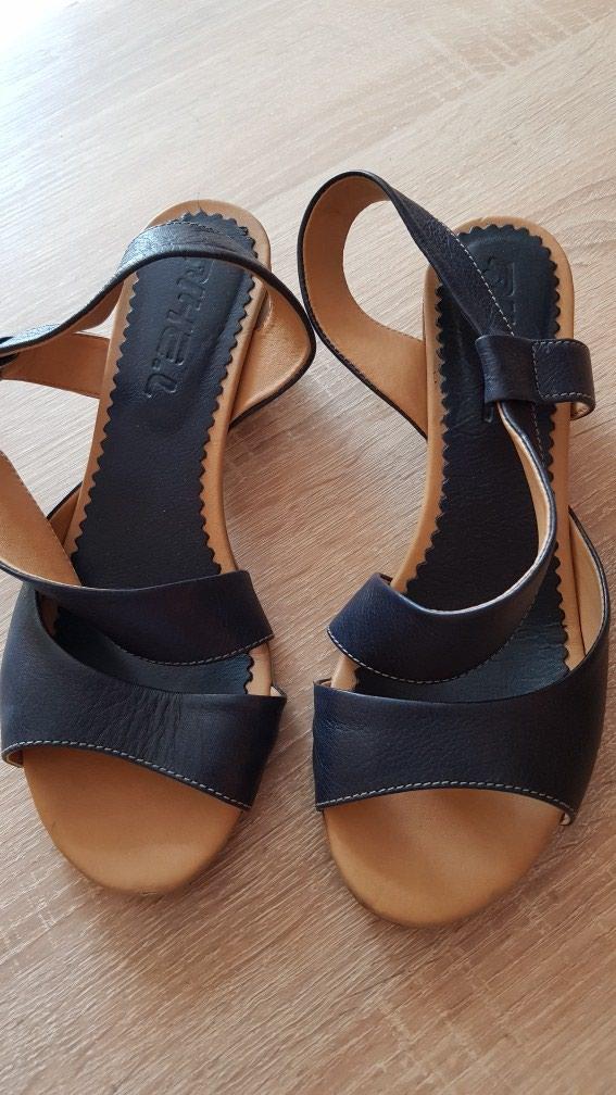 Kozne sandale br 38. teget, 2x obuvene. Photo 1
