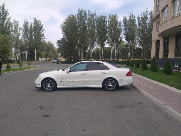Mercedes-Benz E 320 2003. Photo 2