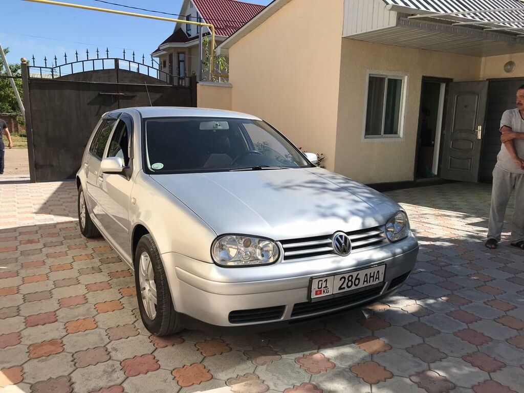 Volkswagen Golf 2 л. 2003 | 180000 км