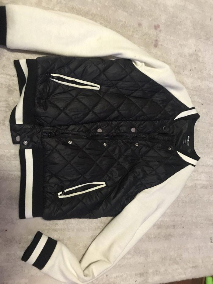 Prelepa prolecna jakna L velicina - Nis