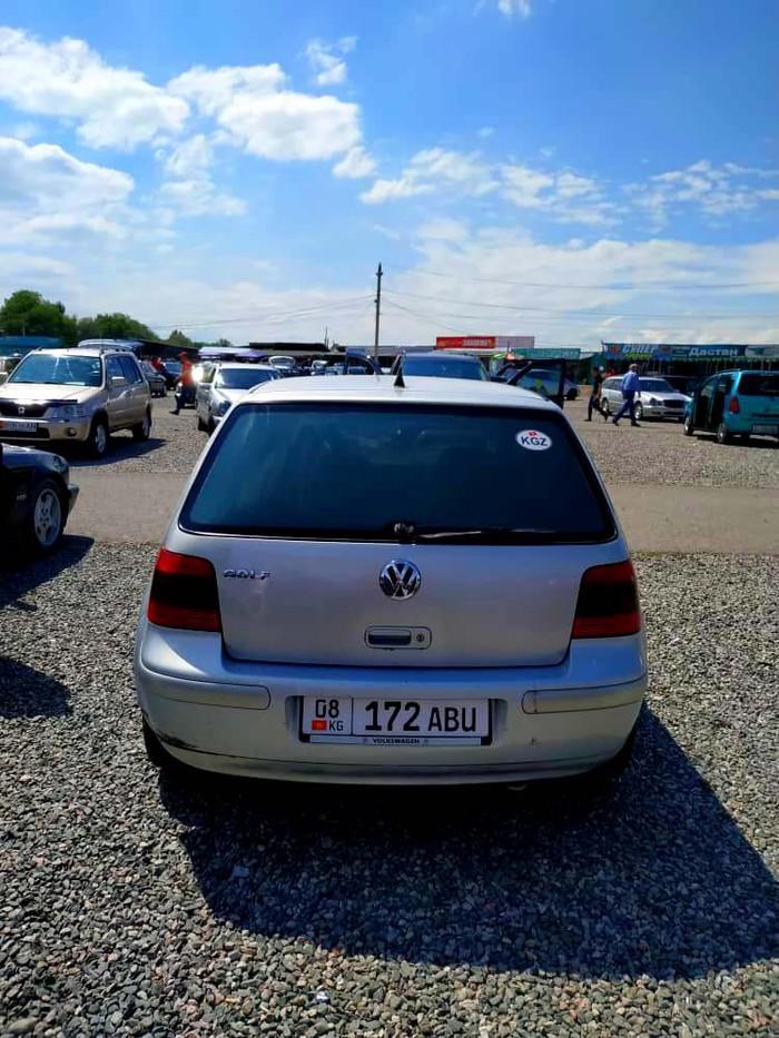 Volkswagen Golf . Photo 0