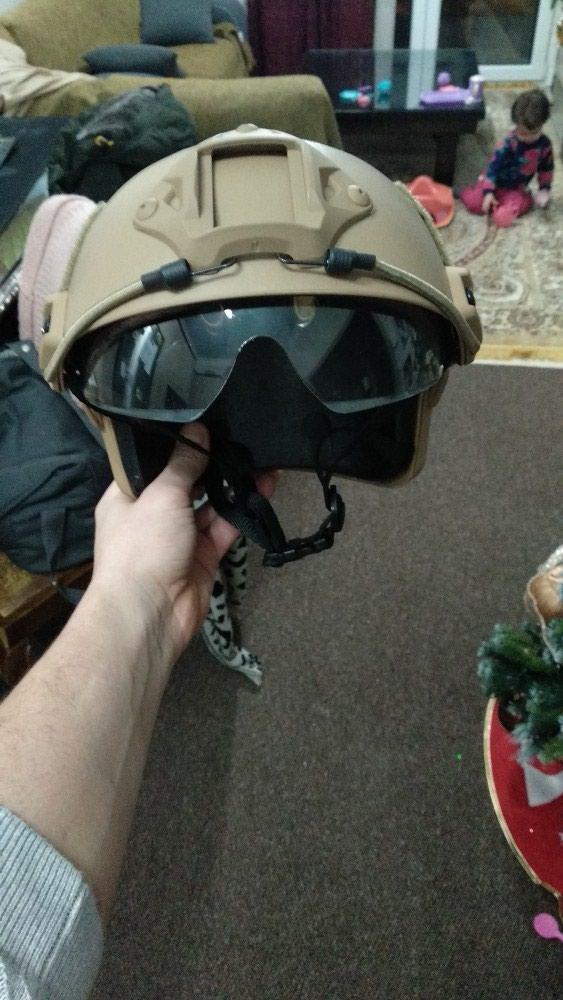 Airsoft helmet με γυαλια προστασιας. Photo 1