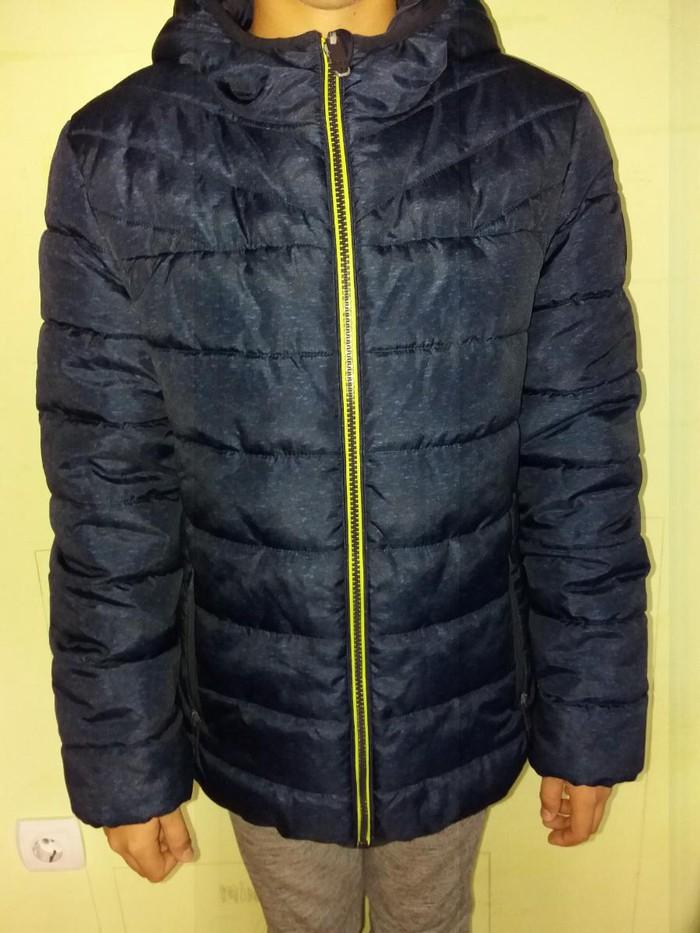 Topla zimska jakna sa dva lica. Kao nova. Uzrast 10-12 god