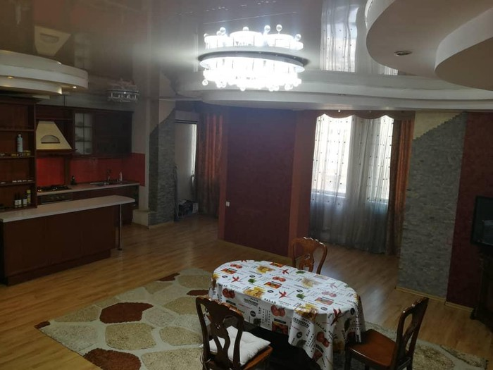Сдается квартира: 2 комнаты, 75 кв. м., Бишкек. Photo 2