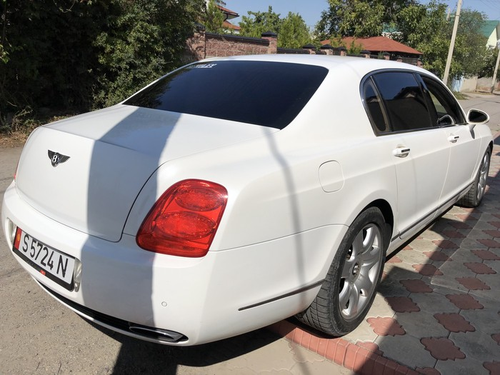 Bentley Continental Flying Spur 2006. Photo 4
