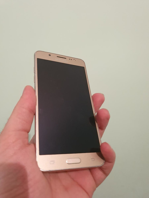 Samsung j52016 aksesuarı var karobkası yoxdur 169azn
