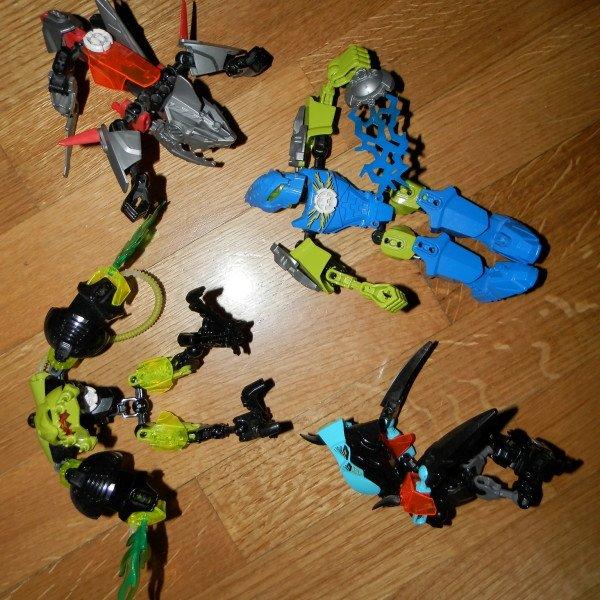 4 lego hero factory φιγουρες δινονται ολες μαζι. Photo 1