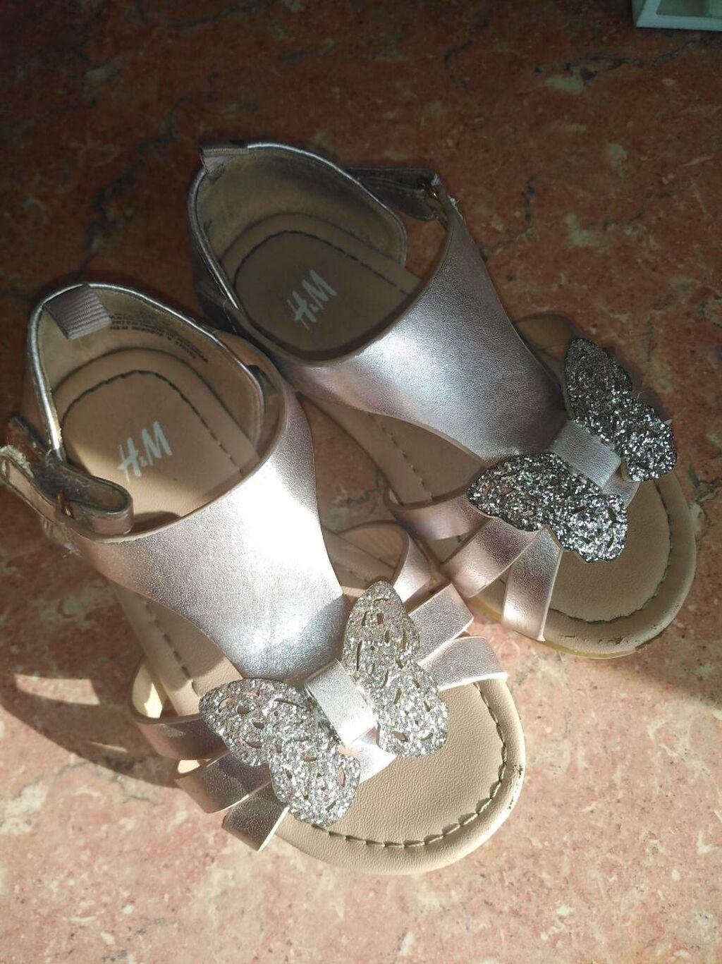 Sandalice broj 24