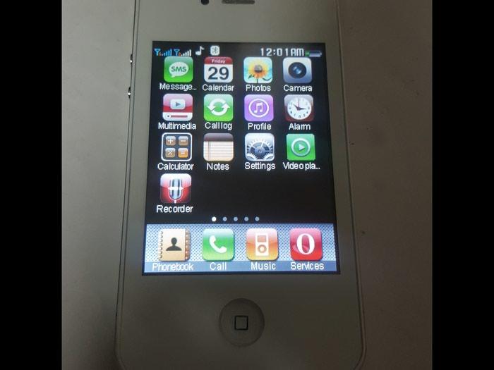 Kopija Iphone 4S nov ispravan radi uz njega punjac slusalice. Photo 1