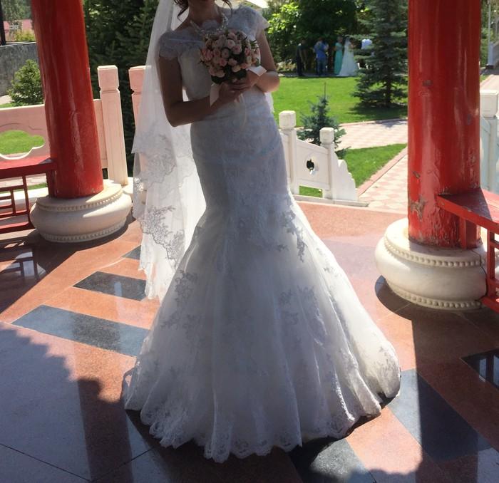 Свадебные платья в Бишкек: Свадебное платье,пошив Украина,одевалось один раз,в идеальном состоянии+кольса под юбку