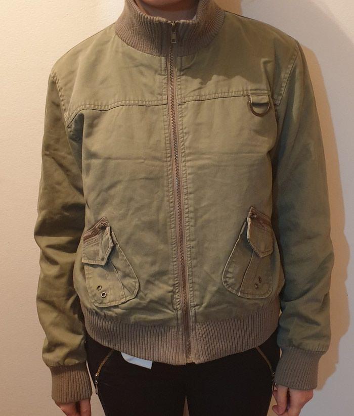 Zenska jaknica velicina L - Barajevo