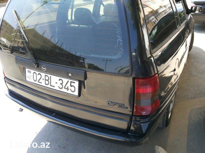 Sumqayıt şəhərində Opel  astra. 1. 6  motor. Mexanika. Sadə  motor. Barter  mümkündür.. M