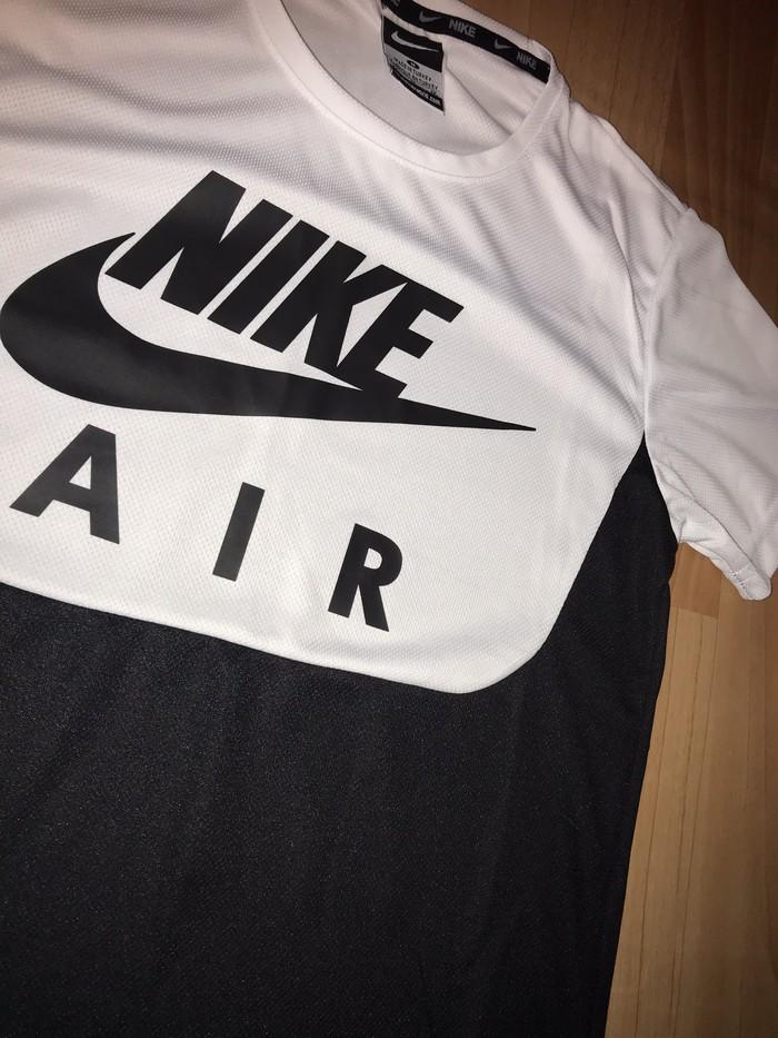 Nike . Photo 1