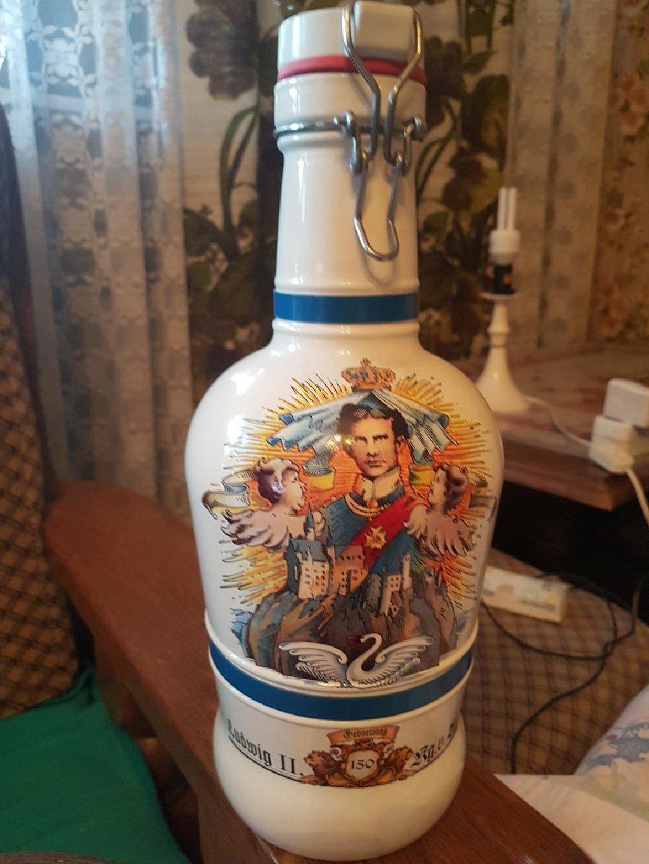 Prelepa keramicka flasa za piće,visina 33cm,iz Nemacke
