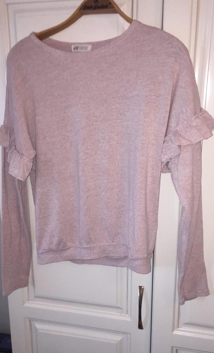 Bluzice  zajedno 1000 din.jedna 400. Photo 2
