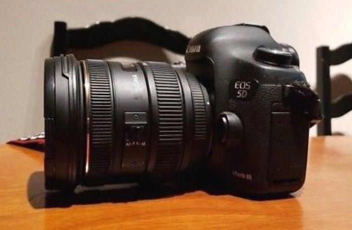 Canon EOS 5D Mark iii 12.8MP Digital SLR Camera - Black. Photo 1