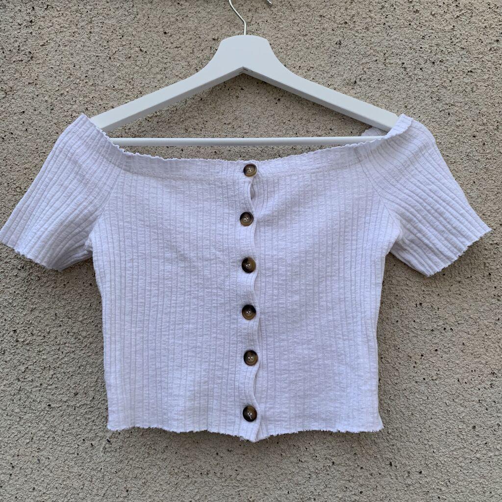 Άσπρο καλοκαιρινό μπλουζάκι (Bershka)