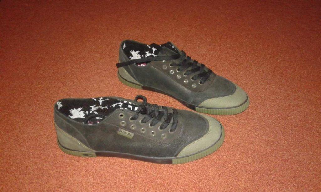 Ανδρικά παπούτσια, εντελώς αφορετα και δερμάτινα σε νούμερο 44!! *δώρο τα μεταφορικά*