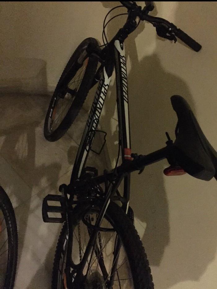 Ψάχνω για αγορά αυτό το ποδηλατο Specialized Black rockhopper