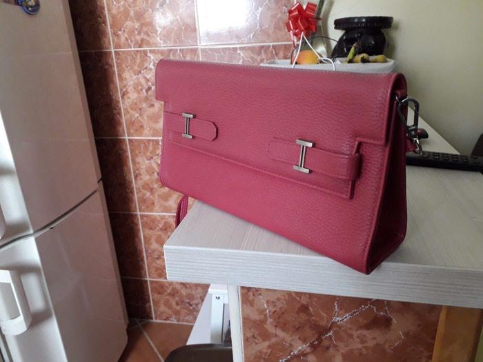 SNIZENJE Hermes torba, divna, neka boja izmedju roze i burgundi