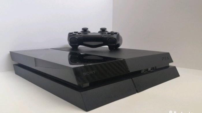 PS4 (Sony Playstation 4). Photo 1