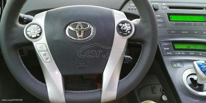 Toyota Prius 2011. Photo 7
