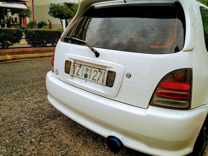 Toyota Starlet 1998. Photo 1