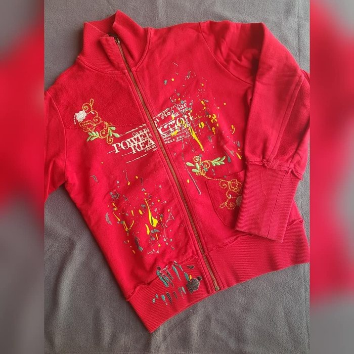 Crveni duksic S velicina. Photo 0