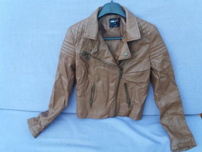 Kožna jakna,skoro nova,par puta obucena,sa krznom koje moze da se - Beograd