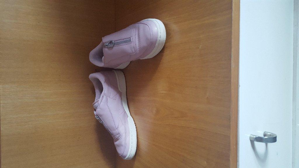Кроссовки и спортивная обувь 38.5