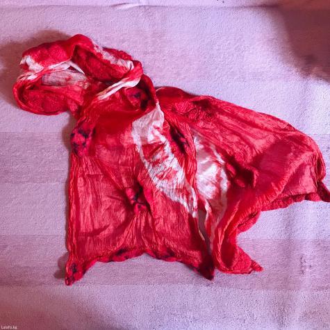 Шелковый шарф с цветами из войлока.. Photo 0