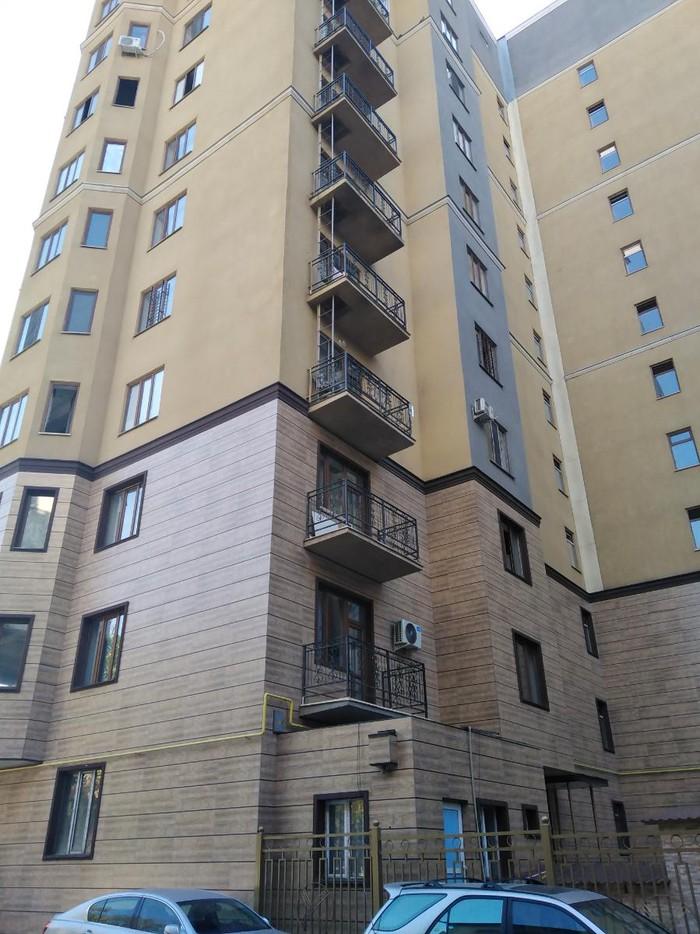 Продается квартира: кв. м., Бишкек. Photo 2