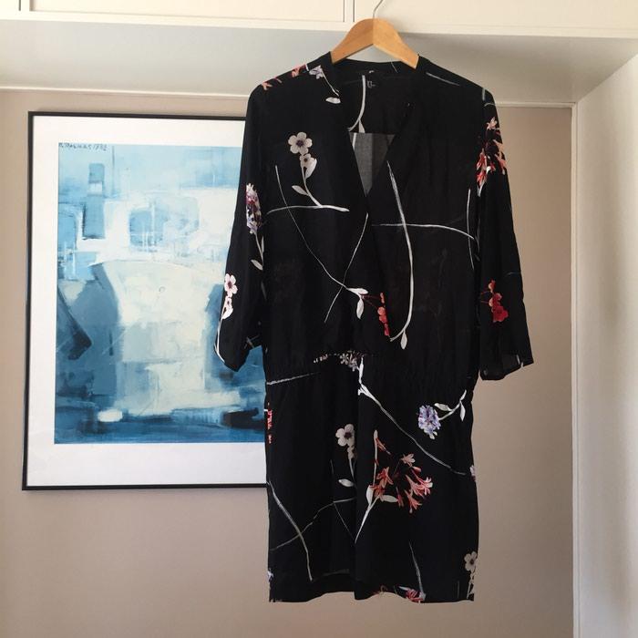 Καινούργιο H&M μαύρο εμπριμέ φόρεμα σε Νέα Σμύρνη