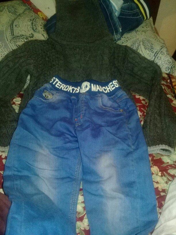 водолозка и джинсы на мальчика на 5 или 6 лет в Бишкек