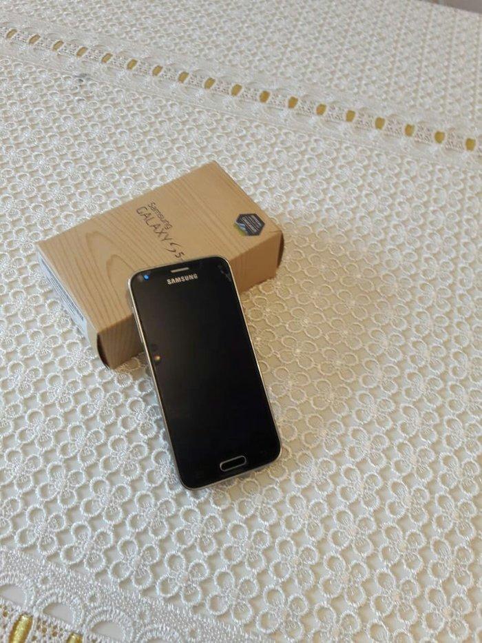 Bakı şəhərində Samsung s5 mini super veziyyetde ancaq ideal  alicilar yazsin hec bir