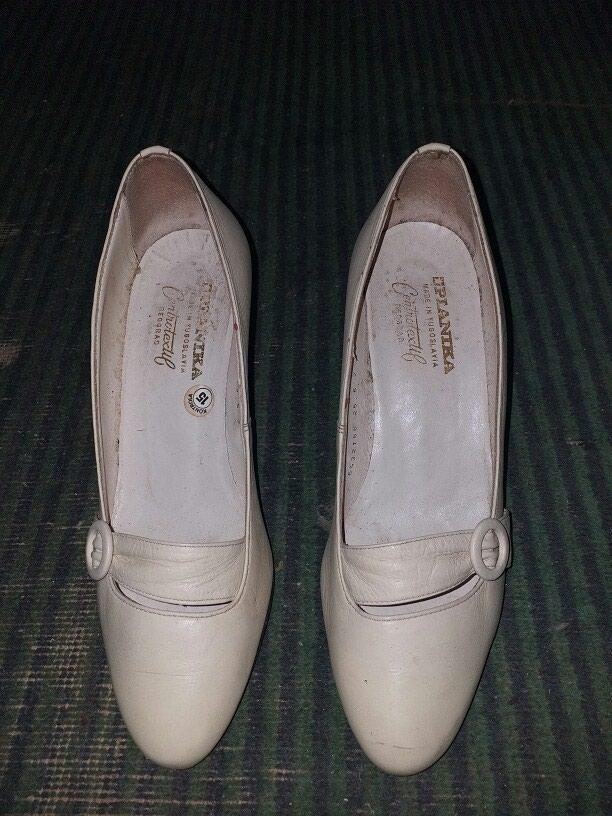 Женские туфли белые 3 ман а чёрные 2 ман. Photo 0