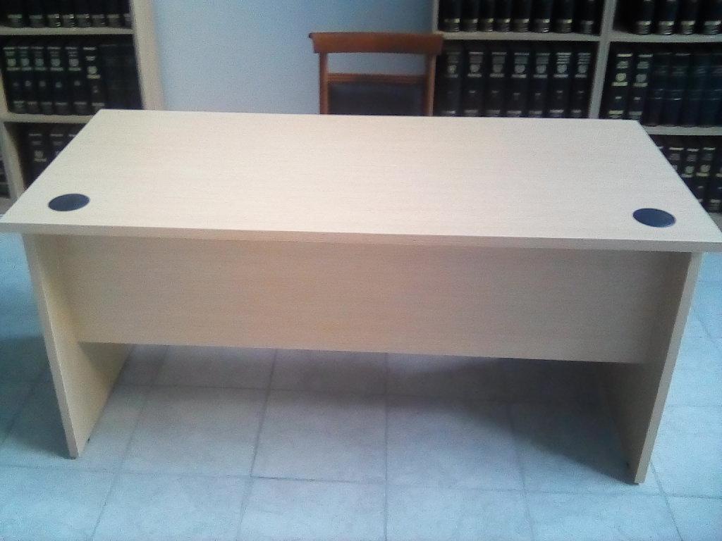 Γραφείο σε άριστη κατάσταση, διαστάσεις 150 Χ 70 Χ 72, υλικό μελαμίνη, Rene Medium Oak