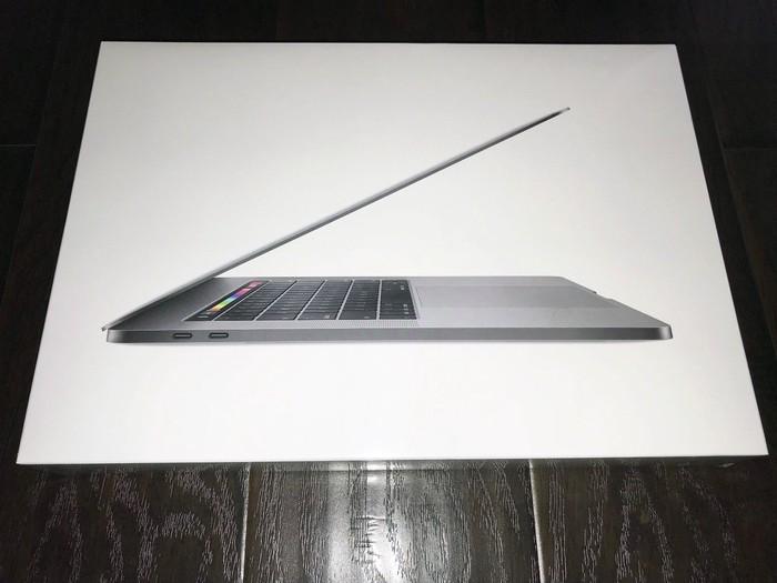Apple macbook pro. Photo 0