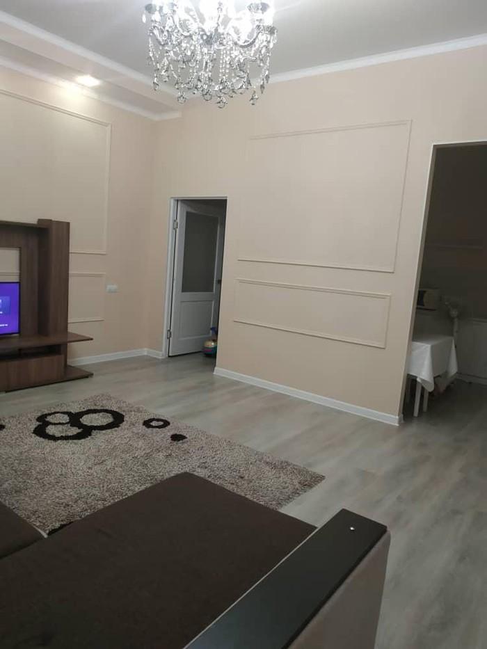 Продается квартира: 2 комнаты, 68 кв. м., Бишкек. Photo 1