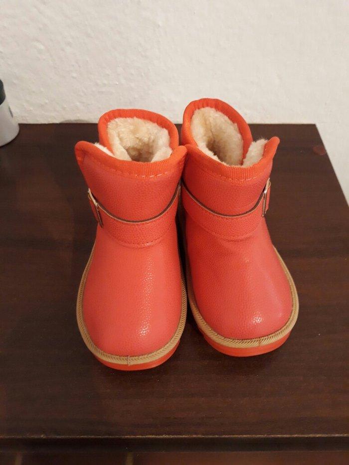 новые угги на девочку, размер 27. в Бишкек