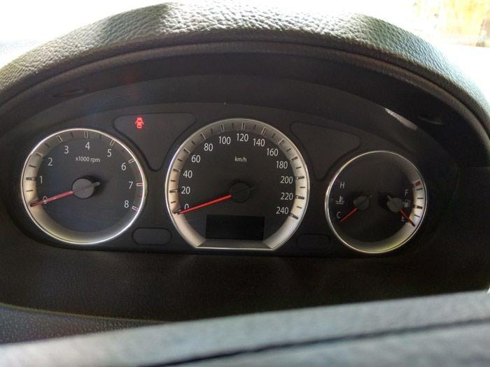 Hyundai Sonata 2011. Photo 4