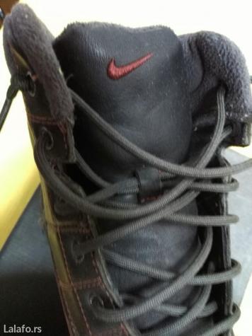 Nike zimske cipele postavljene ,tople u savrsenom stanju. Br 43. - Kostolac