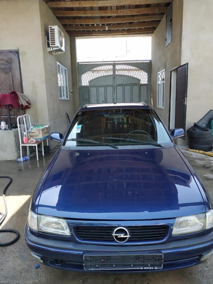 Opel . Photo 0