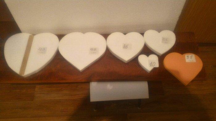 сердечки и другие изделия из пенопласта и пеноплекса. ( на линейке 25  в Бишкек