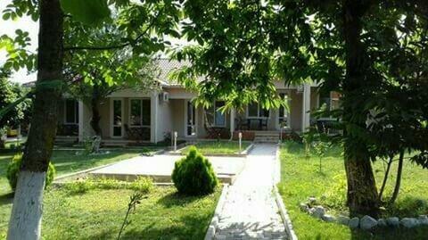 Bakı şəhərində Qebelede, Vendam kendinde 2 neferlik 6 dene kotec tipli kiraye evler.