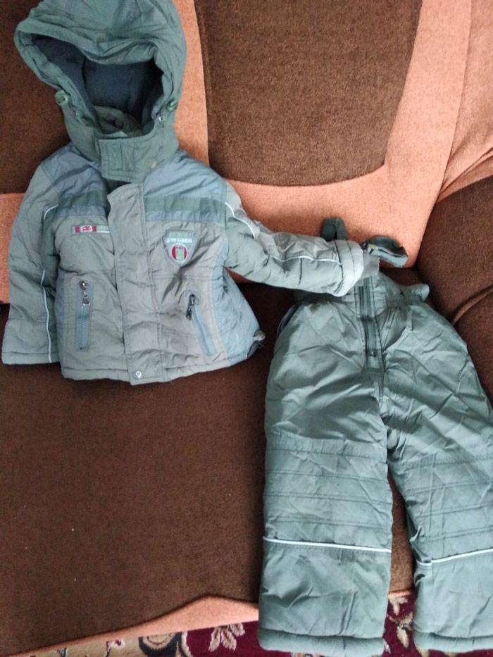 Продаю зимную куртку на мальчика 4-5лет в хорошем состоянии тел. в Токмак