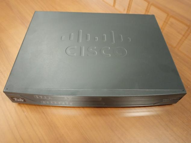 Router Cisco 886VA. Photo 0